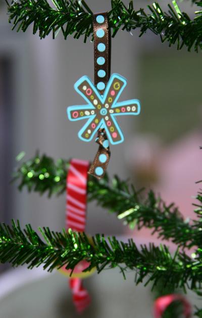 Ornament_close_up
